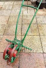 Class 55 Ian Parsons - Garden tool.jpg