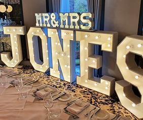 MR & MRS JONES.png