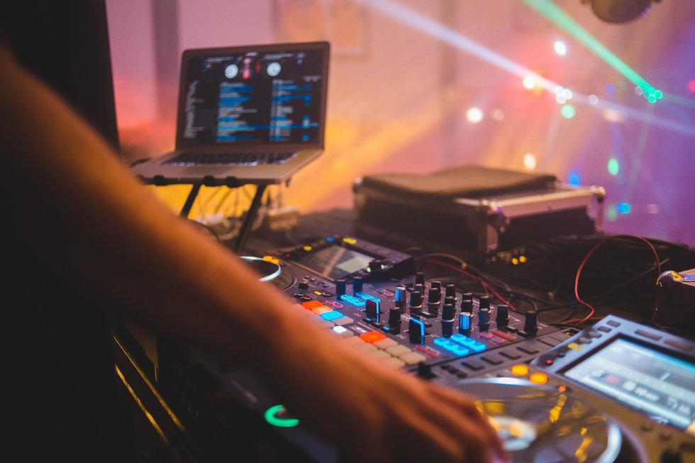 WEBSITE - DJ .jpg