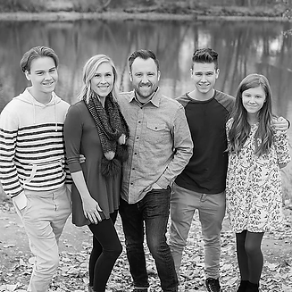 CooksonFamily-BW-sm.webp