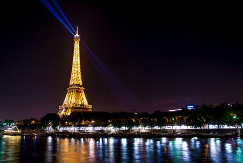 Paris, Vue du Pont Bir Hakeim.jpg