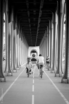Paris, Pont Bir Hakeim.jpg