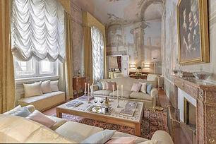Saskia Luxury Florence for 6 Living.jpg