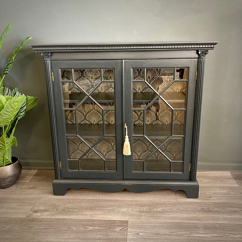"""Darcey"" Drinks Display Cabinet"