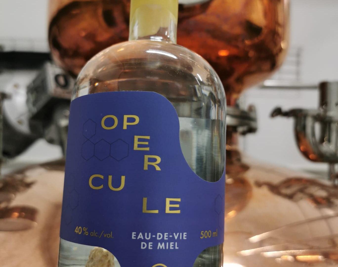 Opercule eau-de-vie Distillerie B par la