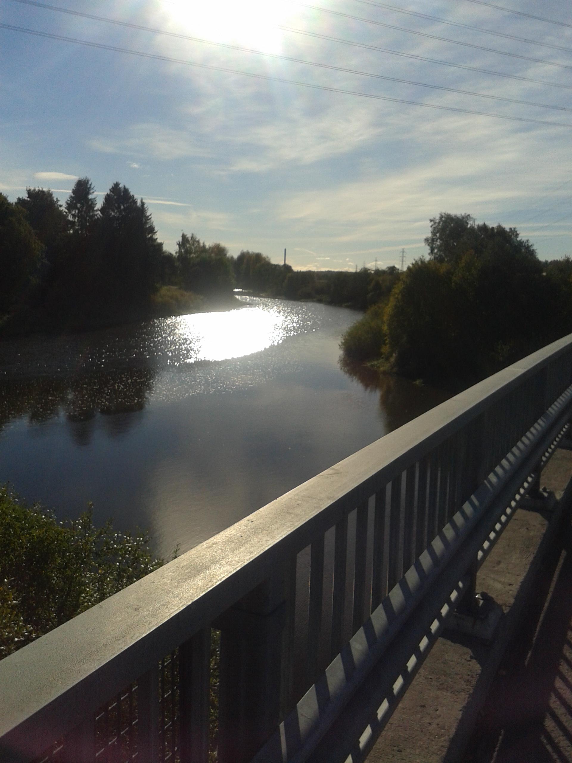 Kuvassa ylitetään Vantaanjoki