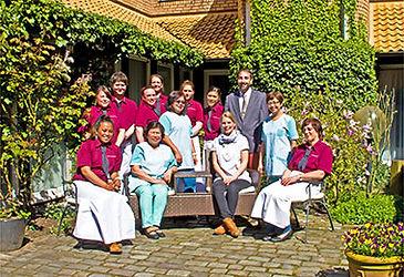 hotel_kreuzer_team_innenhof.jpg