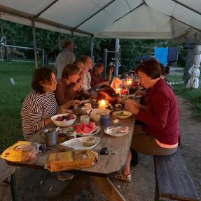Erste Frauen-Schwitzhütte