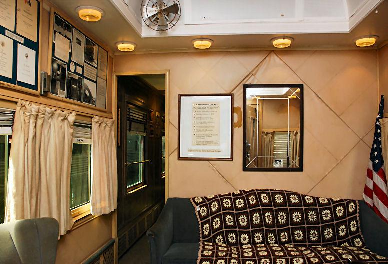 Magellan_Railcar_Lounge133333.jpg