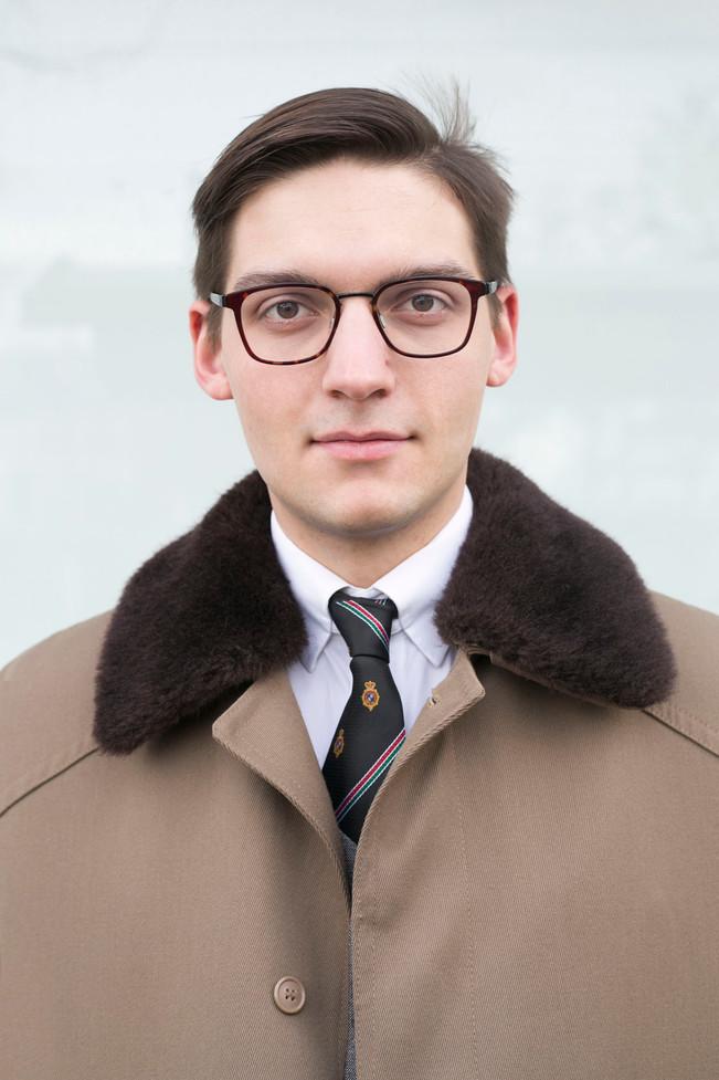 Viktor Weinstein by Nora Barnhart portrait photographer fotografka portretni fotograf fashion photo