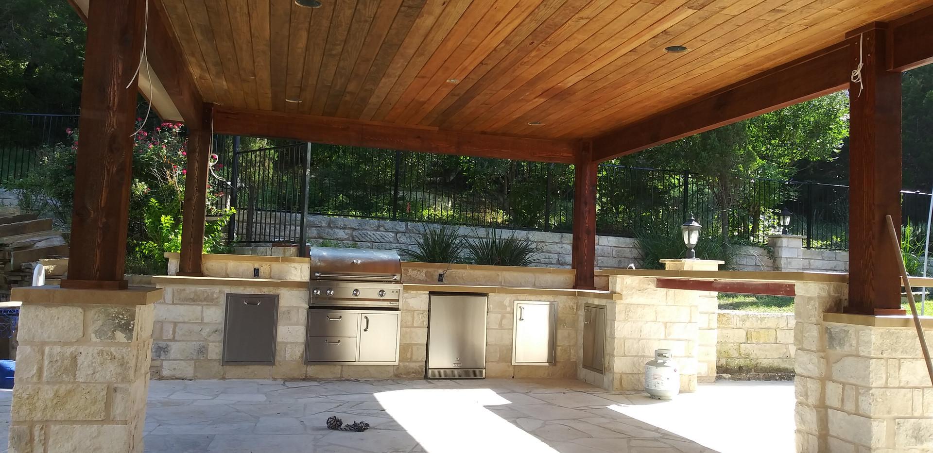 Outdoor kitchen& cabanna