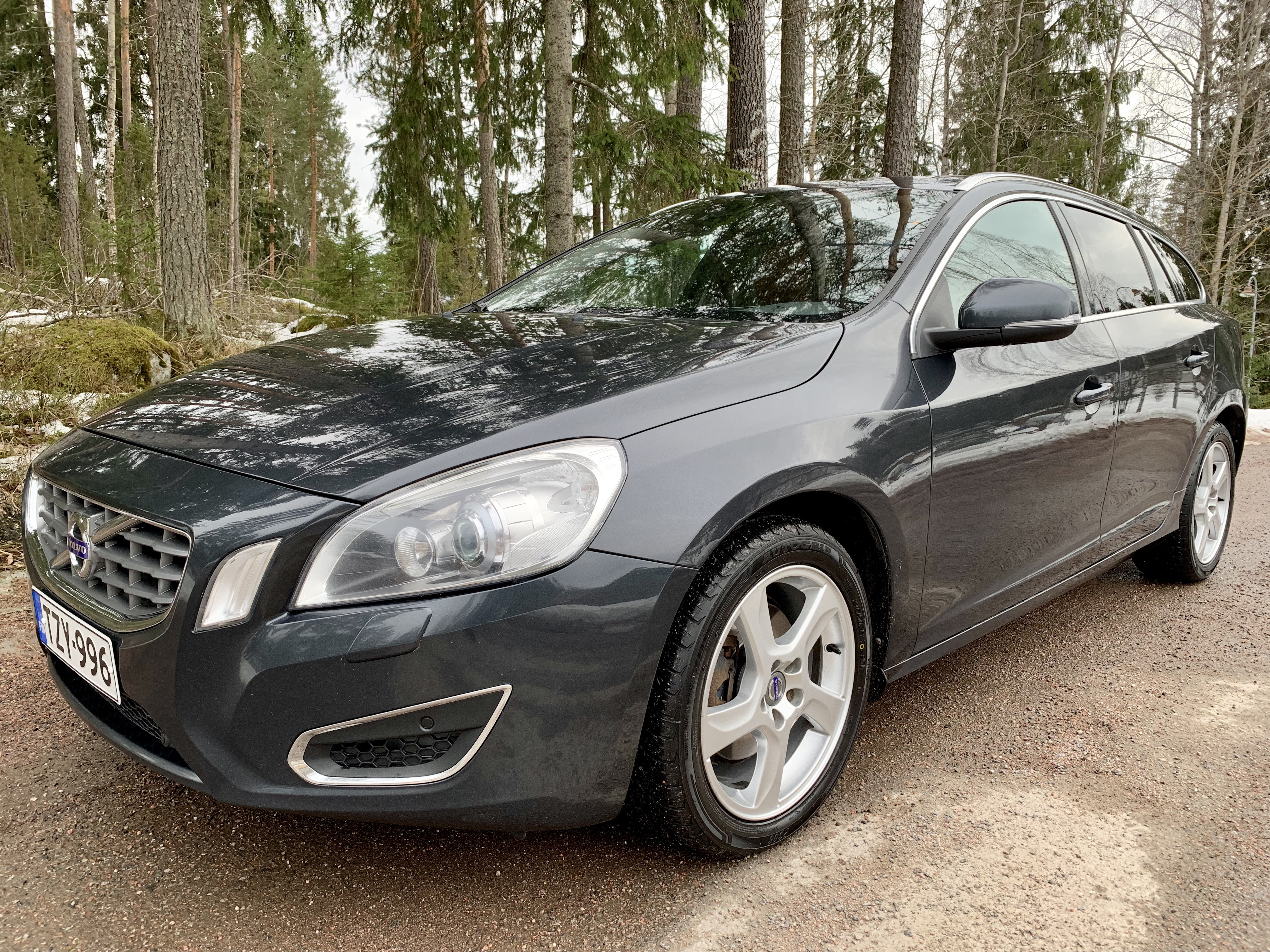 Volvo V60 D4 120KW TZY-996