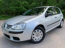VW GOLF 1.6 75KW 1-Omisteinen Suomi-Auto 22.000km.