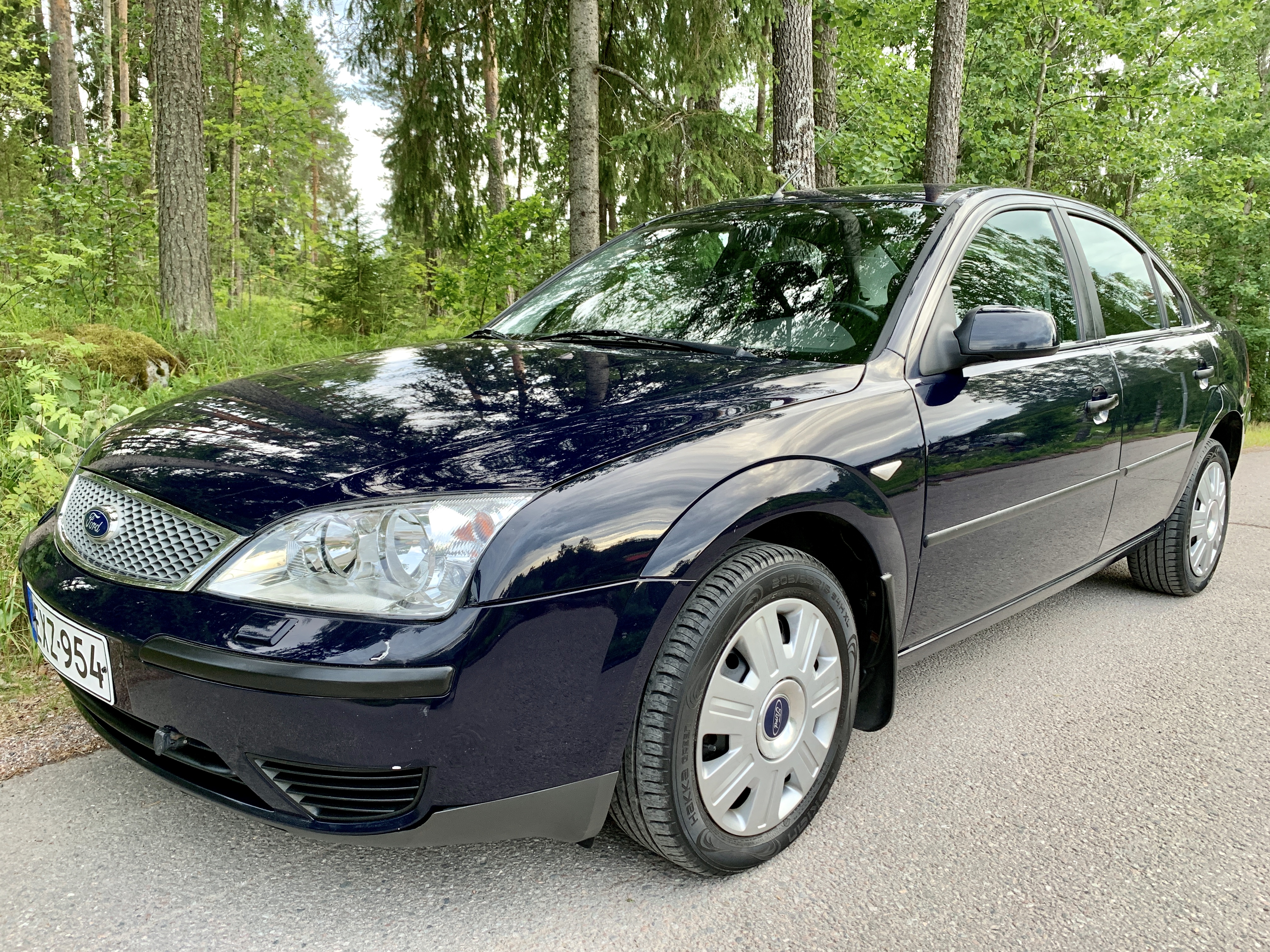 Ford Mondeo 1.8i Ambiente EXZ-954