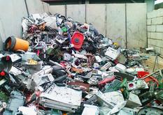 00-00-11-junk-pile-gold-rush.jpg