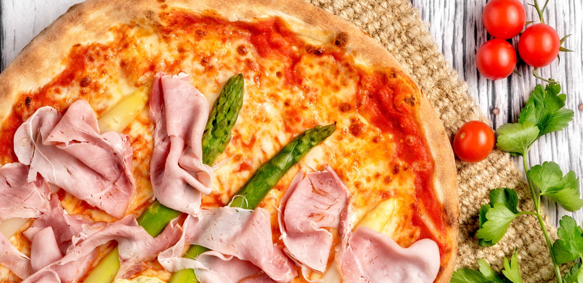 "Foodaufnahme ""Pizzeria Trametsch"""