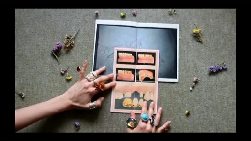 Geduld ist eine Kartoffel, zine published by Void, video still, 2016