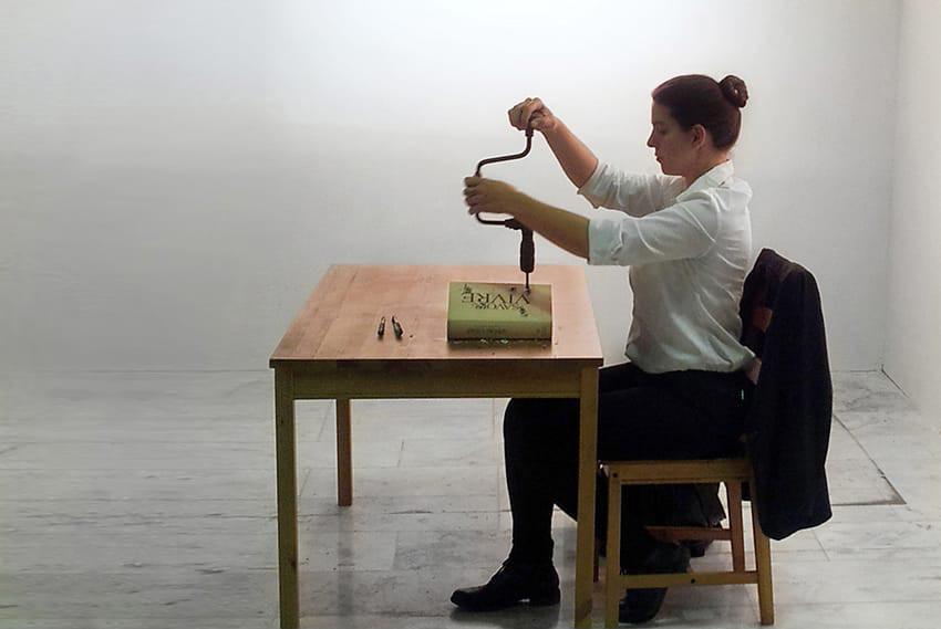-savoir vivre- εικαστική δράση. performance. 2014