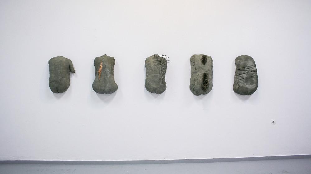 Άτιτλο, Διαστάσεις μεταβλητές, Γυψόγαζα, χαρτοπολτός, 2017