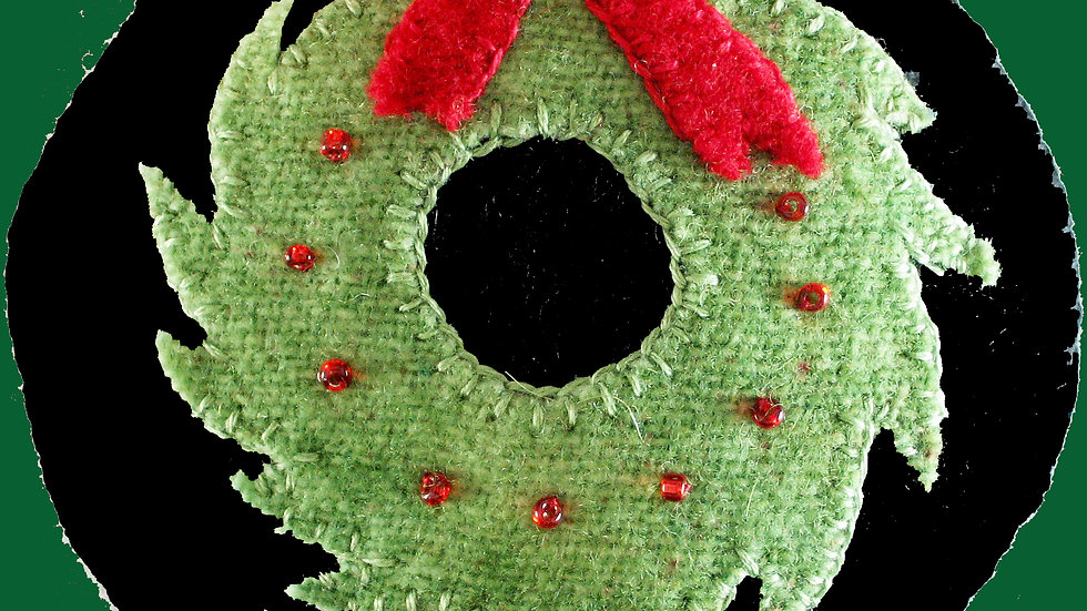 Christmas Wreath Ornament Kit with Pattern