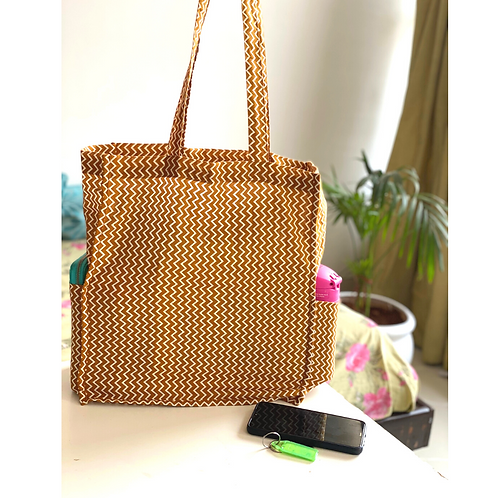 Tote Bag - Large Fabric Bag with Box Gusset - 2 side pockets