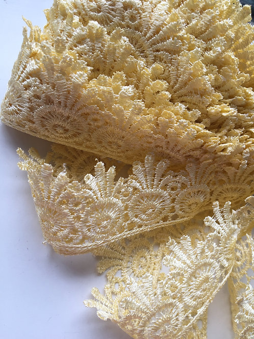 Pale Yellow Trim, lace by the yard, fancy cotton lace, scalloped edge lace,