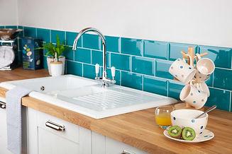 oak-worktop-kitchen-sink.jpg