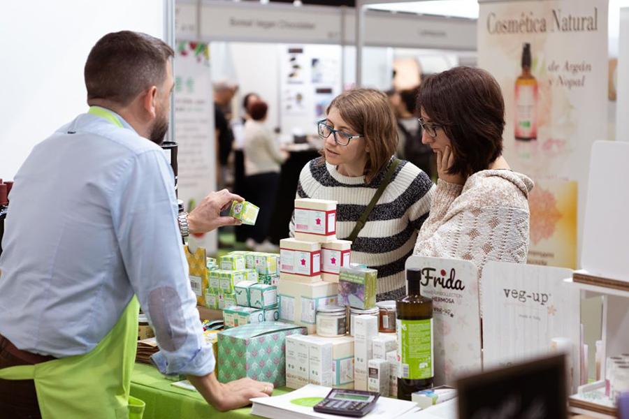 Stand de venta de cosmética natural en VeggiWorld Barcelona 2018