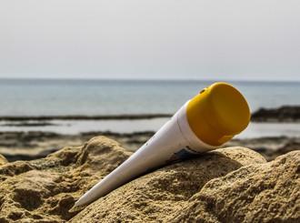 ¿Terminan tus vacaciones? Pues nada de guardar el protector solar