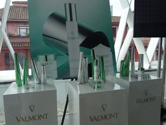 Valmont lanza dos líneas antiedad para alisar y redensificar la piel
