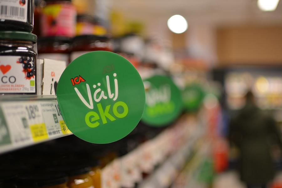 Etiqueta ecológica en supermercado