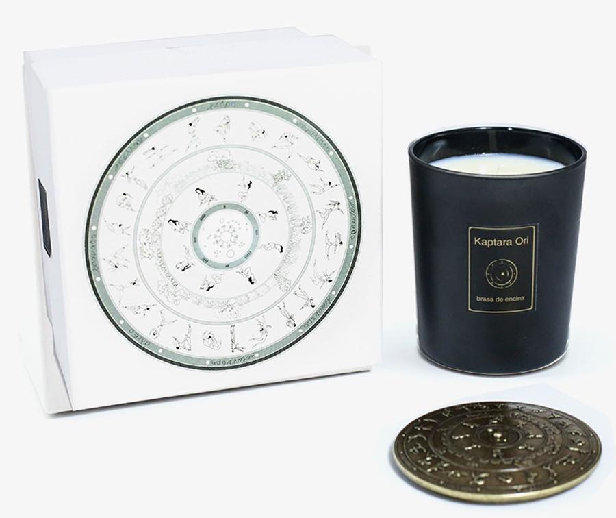 La vela perfumada vegana Kaptara Ori es perfecta para regalar