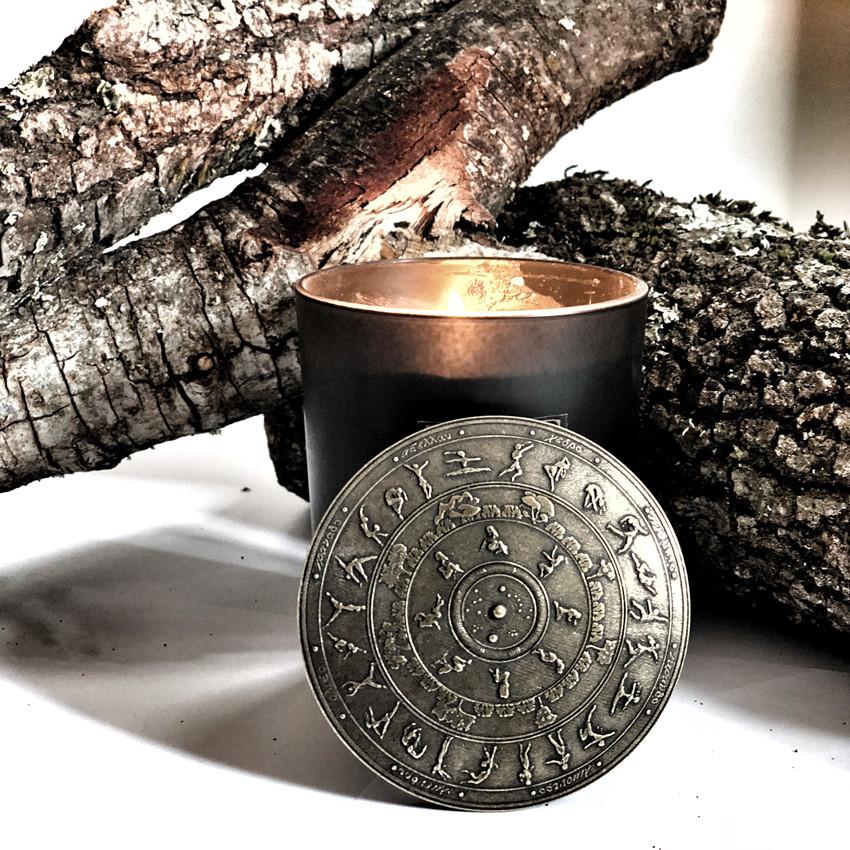 Vela perfumada vegana para el hogar Kaptara Ori a la brasa de encina