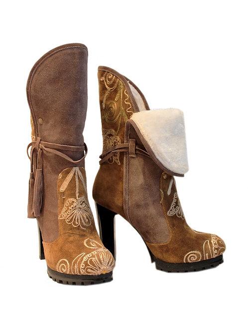 Uptown - Tan Suzani Winter Heel