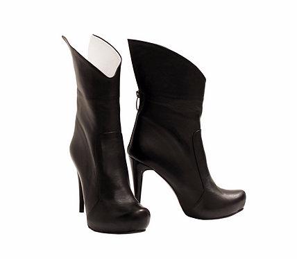 Black Leather Posh - Stiletto