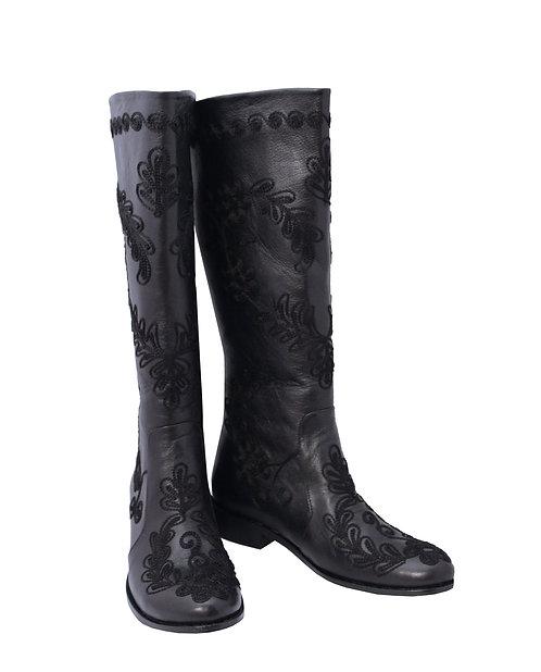 Black Leather Black Love - Riding