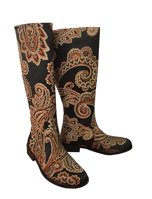 Brown Paisley Dream - Riding