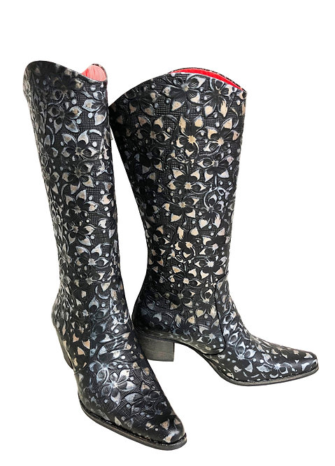 Leather Midnight Jasmine - Cowboys