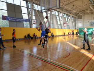 В районе Покровское-Стрешнево состоялись финальные окружные соревнования по стритболу в рамках Спарт
