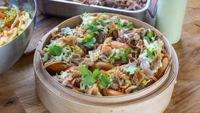 Friterte steambuns med svineknoke og hurtig kimchi