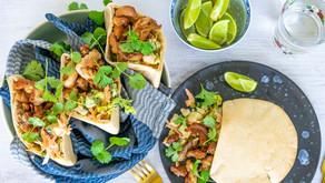 Pita med sprøstekt kylling og hurtig coleslaw