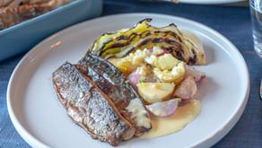 Makrell med grillet kål, grønnsaker og en herlig smørsaus!