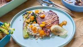 Svinekoteletter med grønnsaker og ris