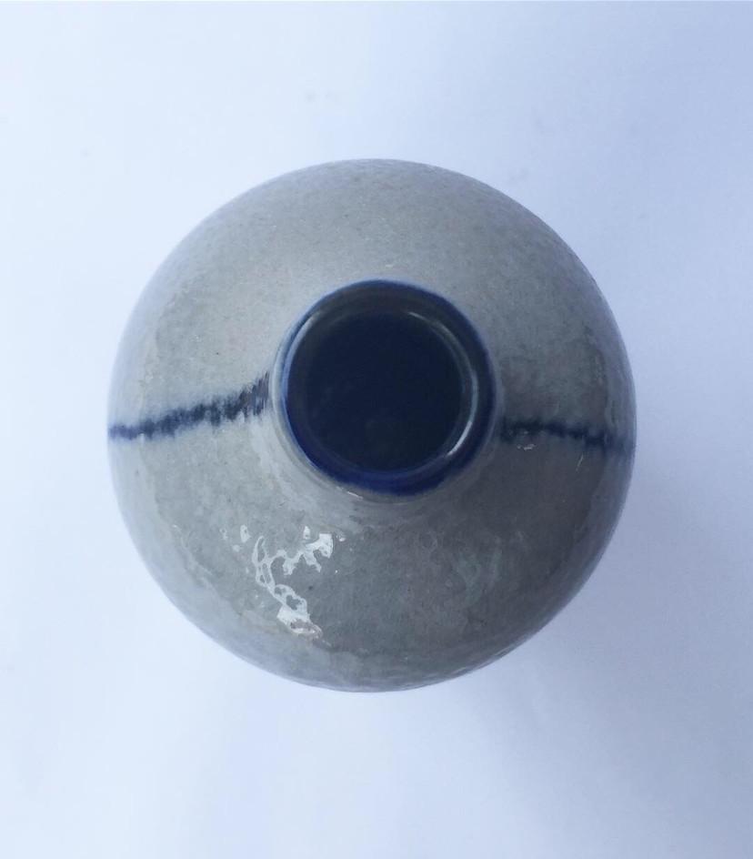 minimalist vase top view