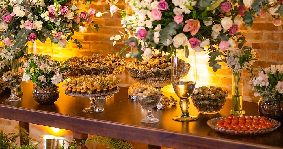 Mesa de doces finos para casamento Ateliê Francine Machado Bolos e Doces Cake & Design
