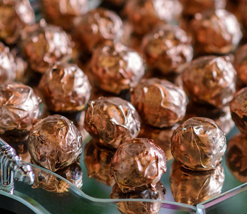 Francine Machado - Trufa dourada de chocolate nobre