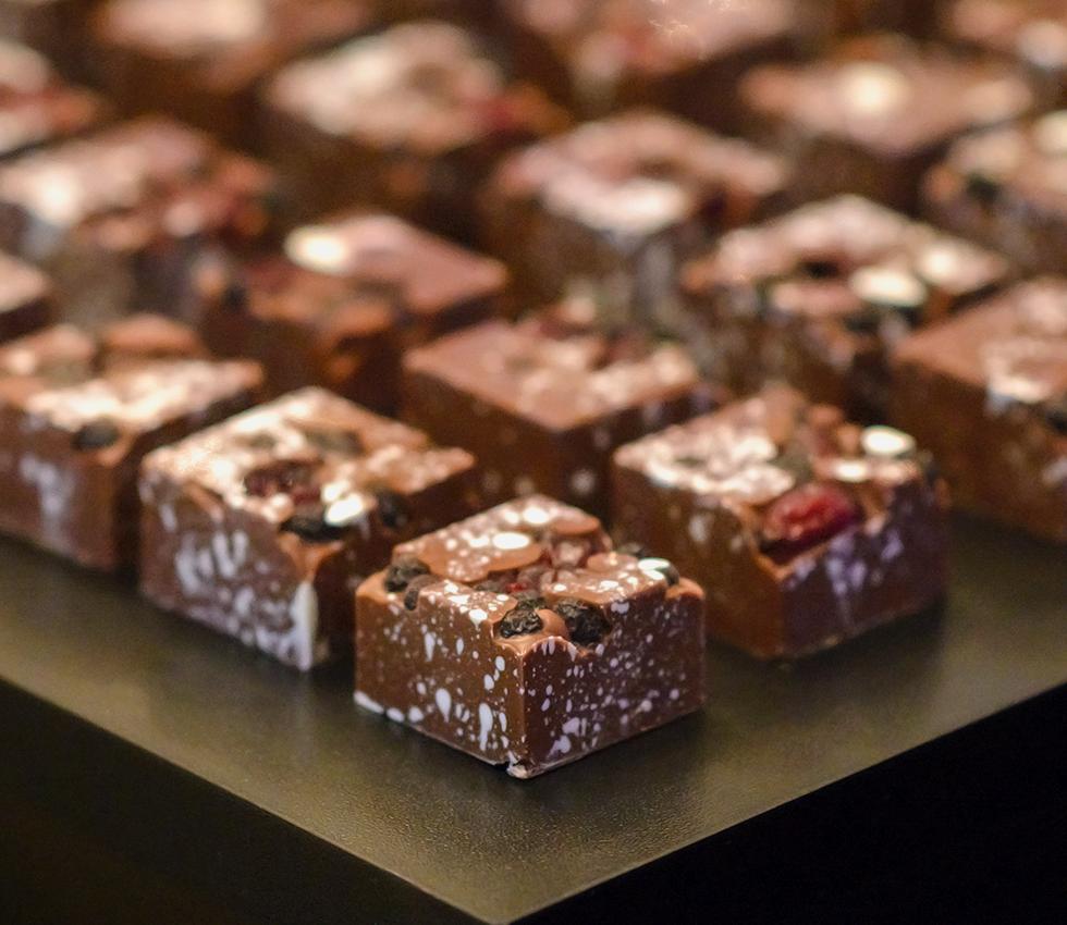 Francine Machado - Bombons de chocolate nobre - maciço de chocolate belca