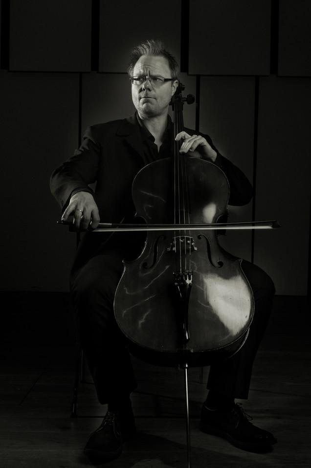 Jonathan Aasgaard, Cellist