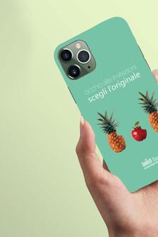 """""""Occhio alle imitazioni, scegli l'originale""""  Interpretazione del brand Apple."""