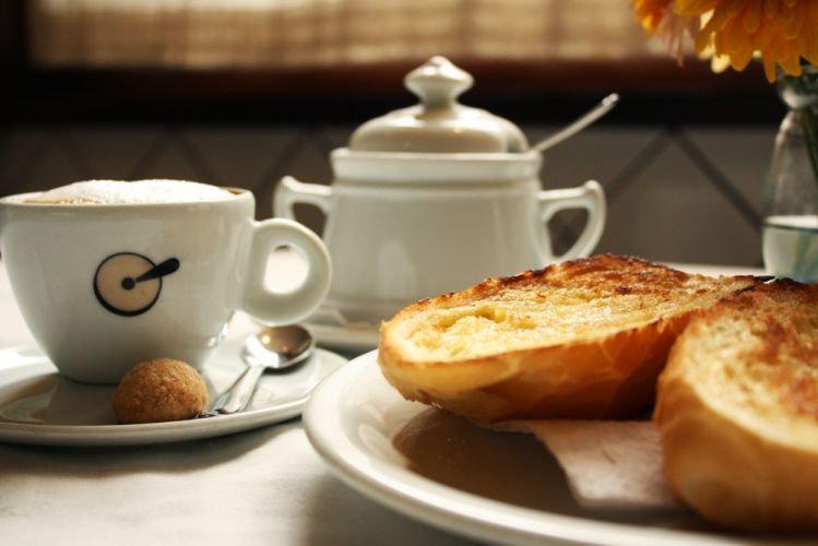 café-com-pão.jpg